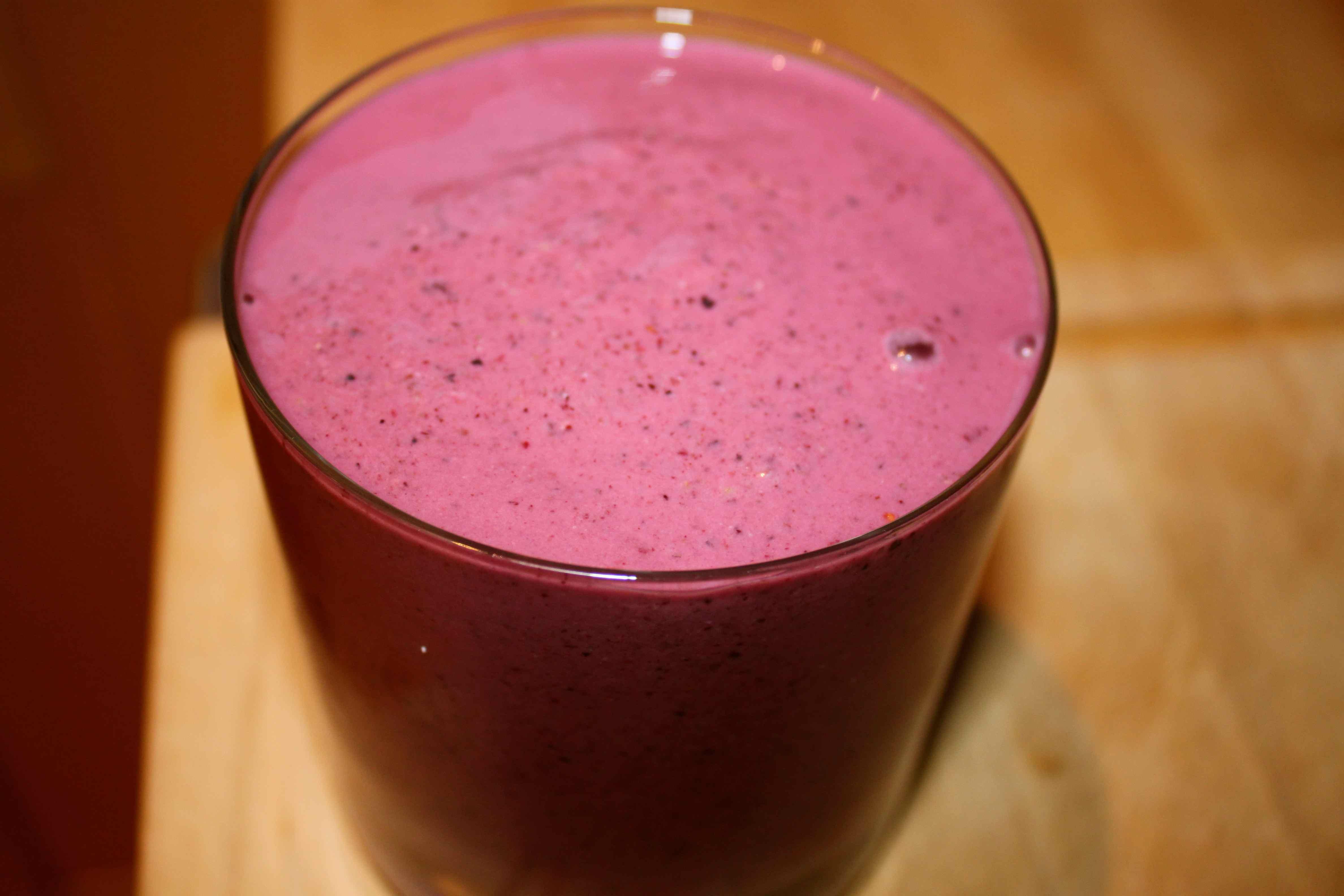 Very Berry Smoothies Recipe — Dishmaps
