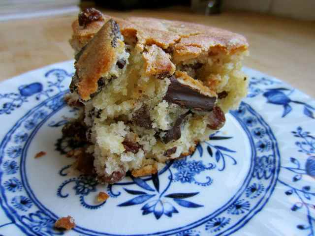 chocolate and sultana cake