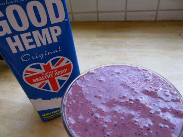purple smoothie and hemp milk