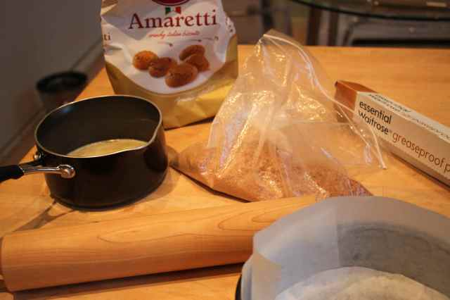 Amaretti base making