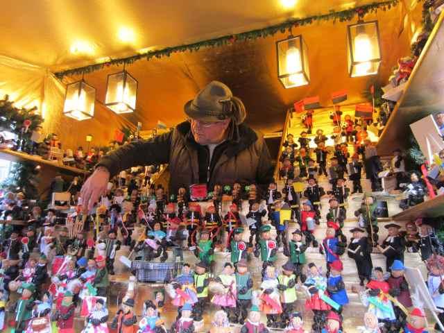 Bavarian hat sells prone people
