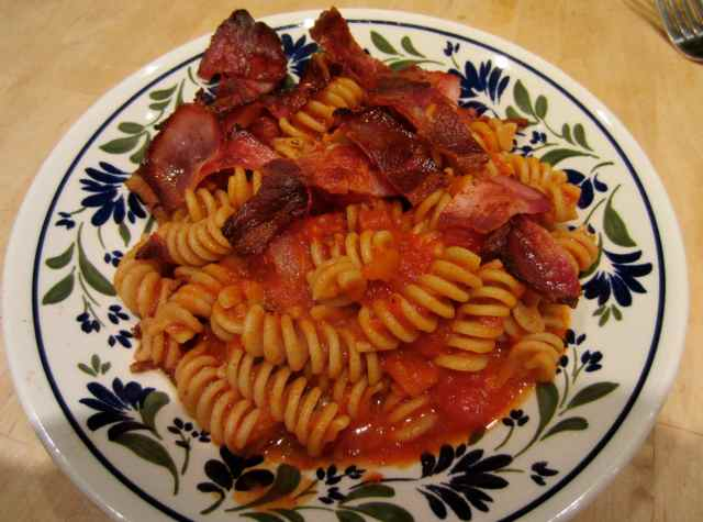 Fusili tomato sauce and bacon