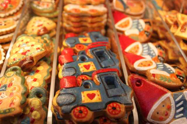 Painted gingerbread 2