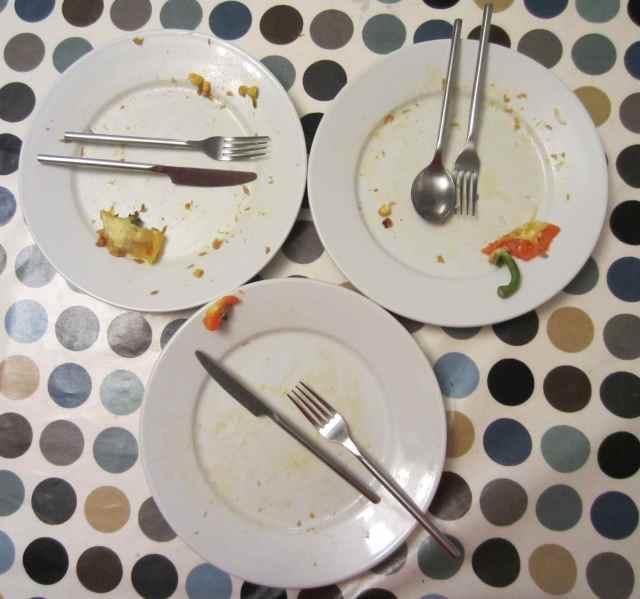 3 empty plates