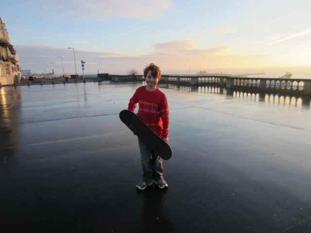 Harvey skateboarding 6