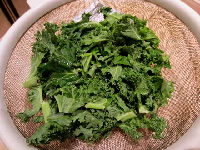 kale in seive