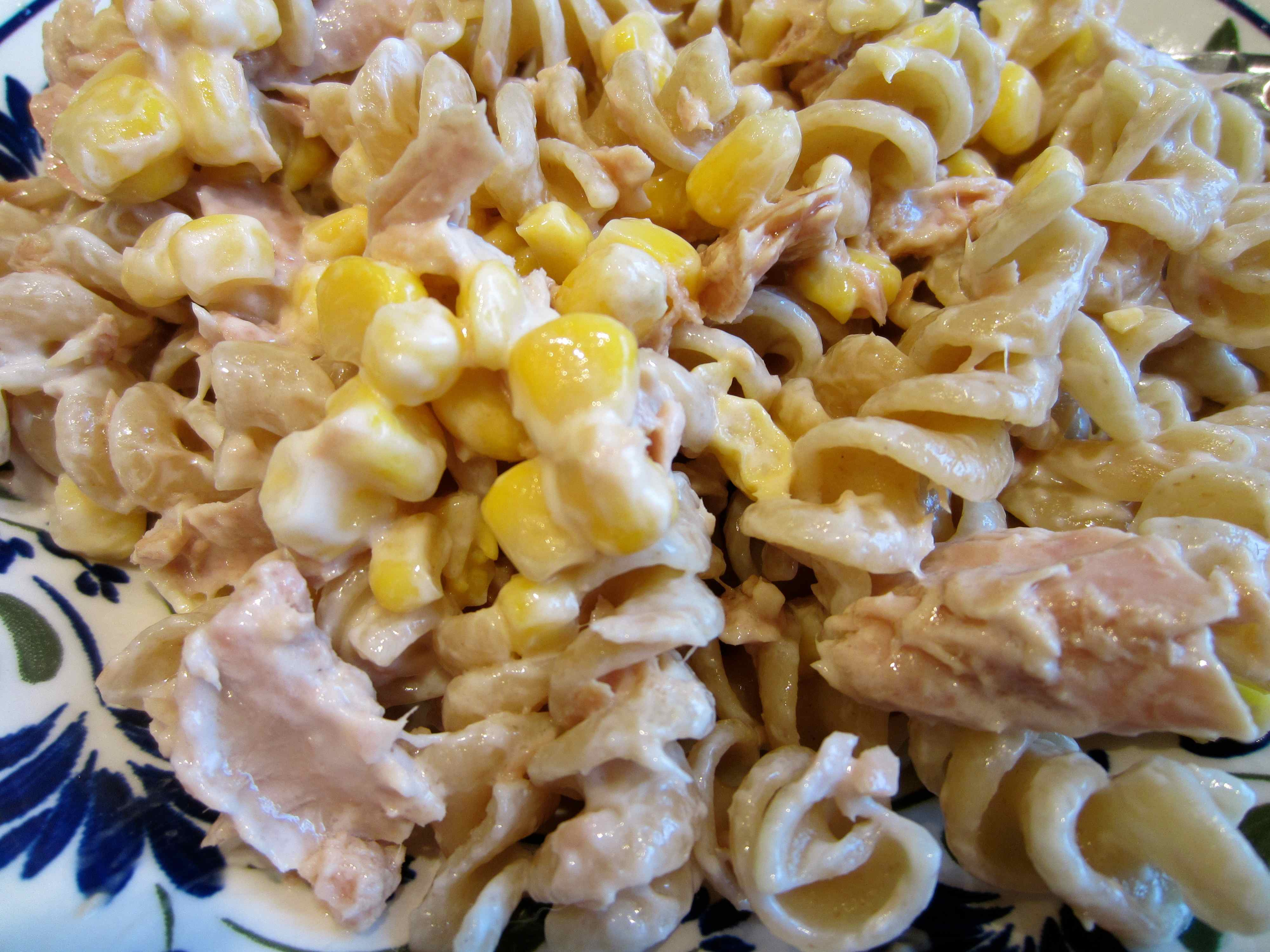 Little gems lose weight and gain health for Macaroni salad with tuna fish