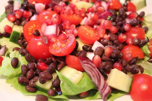 pomegranate and blackbean salad