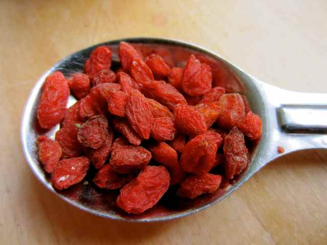 1 tbsp dried Goji berries