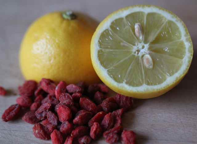 goji berries and lemon