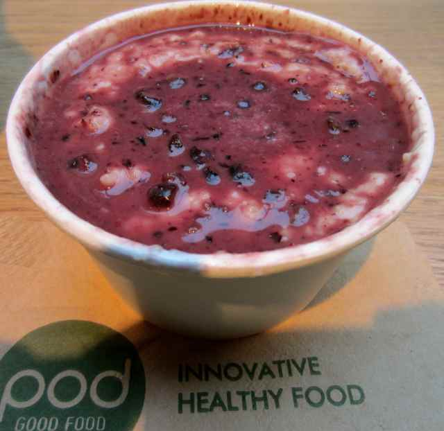 pod porridge with blueberry curd