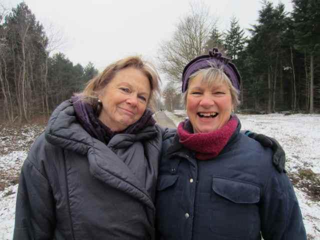2 aunties