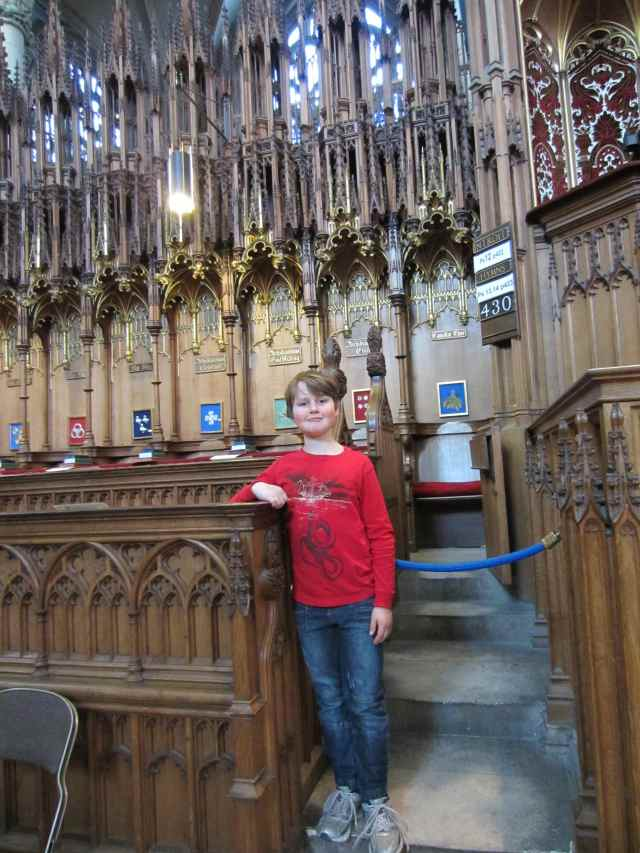 H in the choir stand