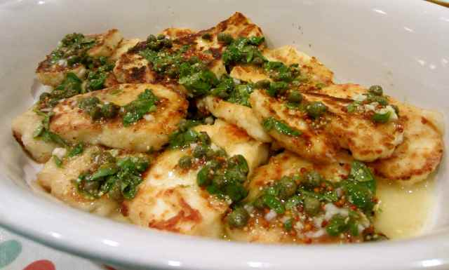 Halloumi with caper dressing