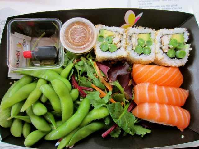 Itsu maki and edamame lunch box