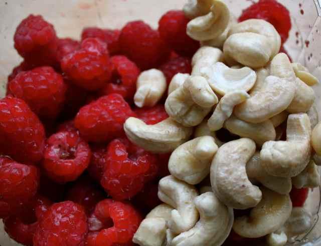 Raspberry and cashews