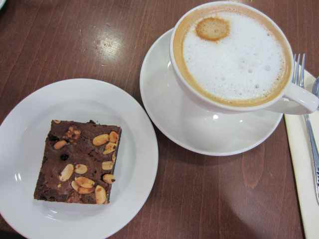 Snickers Brownie and latte