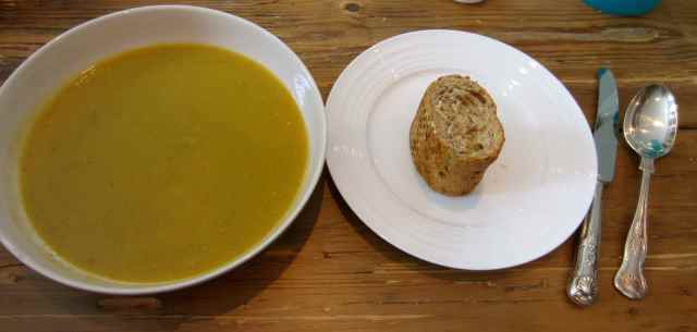 Vegetable soup and granary baggette