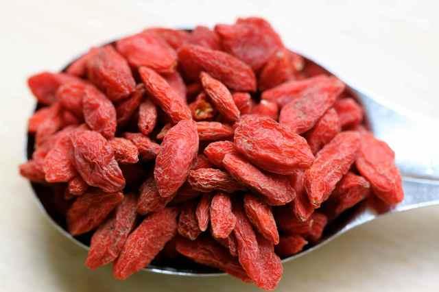 1 tbsp goji berries 1