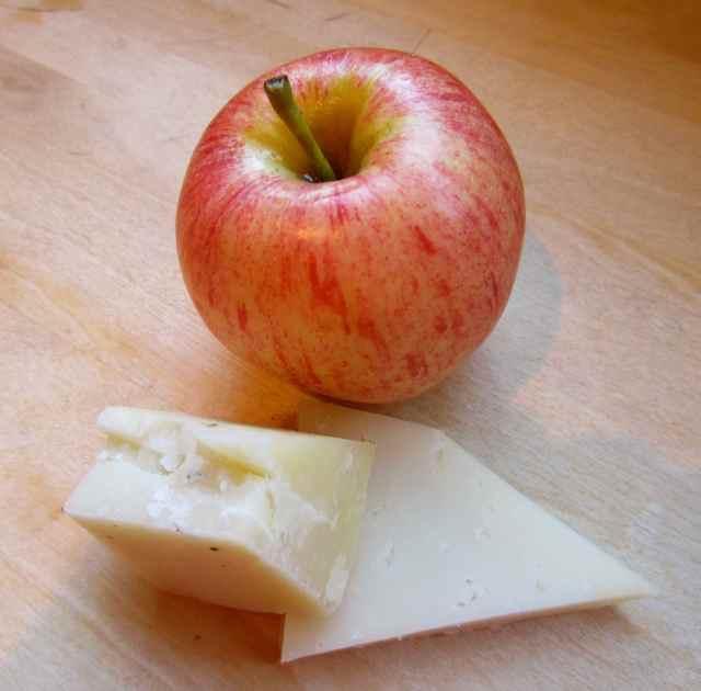 Apple and Manchengo