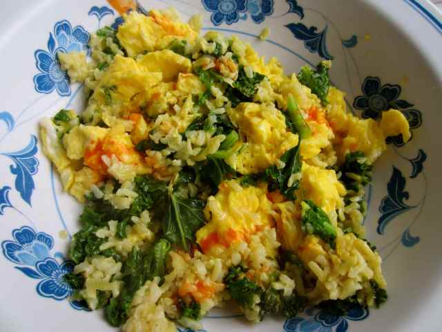 egg, kale and rice