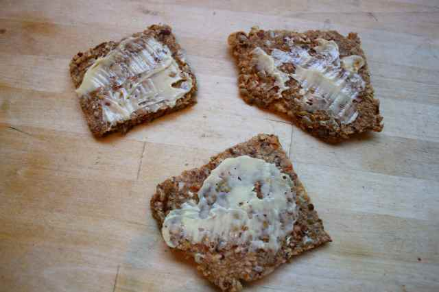 3 nut and flax crackers