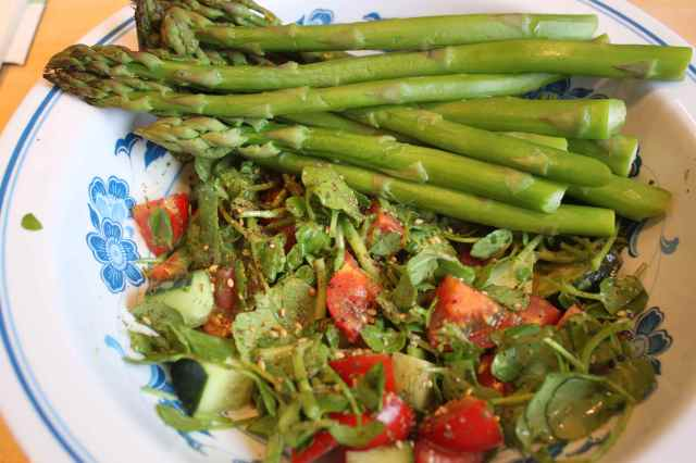 Fattoush and asparagus