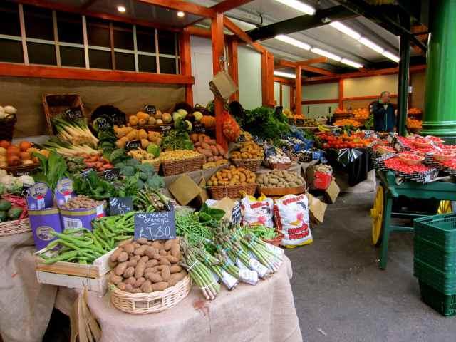 fruit and veg stall 2