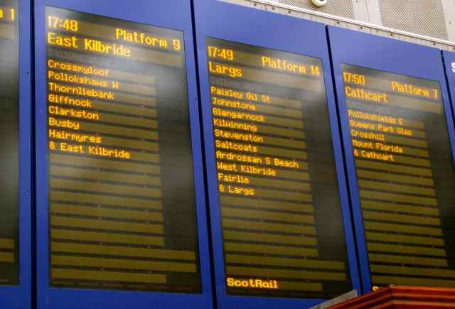 Glasgow Station boards