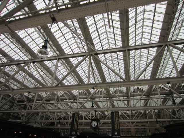 Glasgow station ceiling
