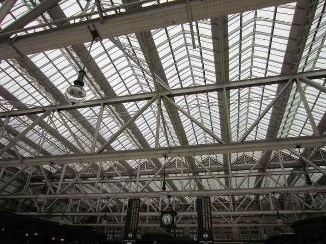 Glasgow station ceiling