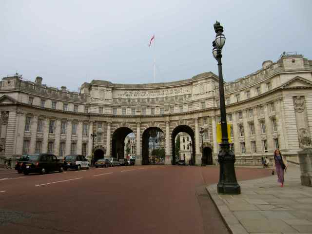Admiralty Arch from The Mall