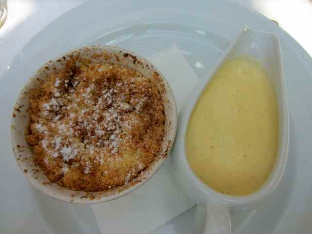 Crumble and custard