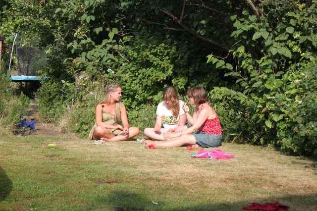 girls chilling 14-7-13