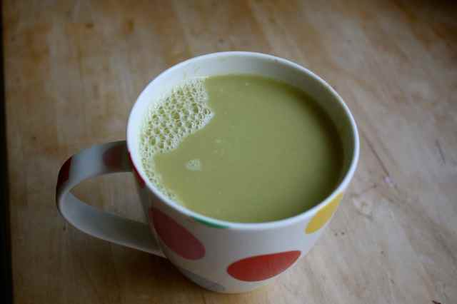 Pea soup in mug