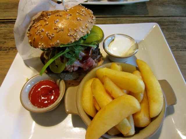 P&P BBQ Burger