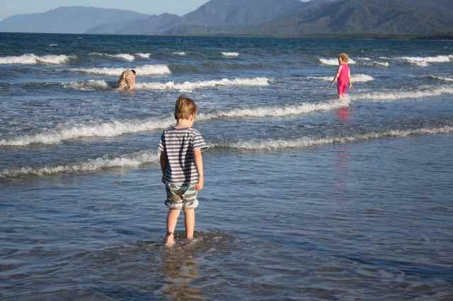 3 kids in sea