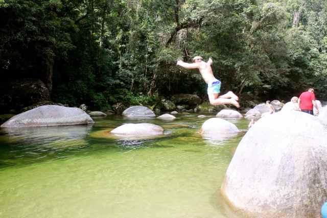 Boulder jumping