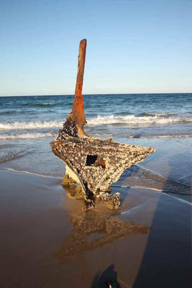 Dicky Beach wreck