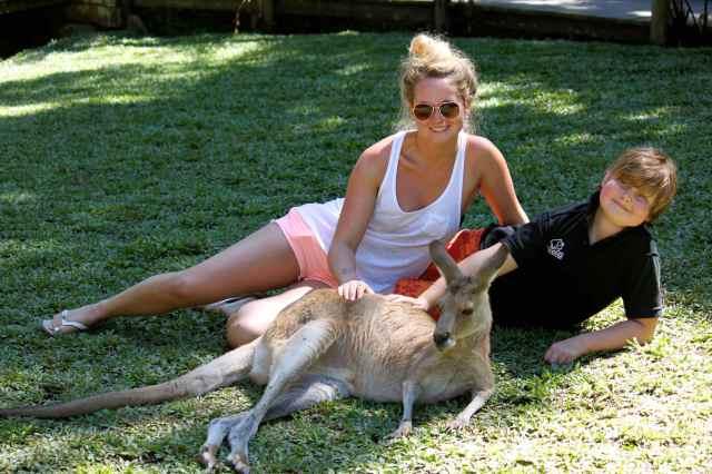 L and H with kangaroo