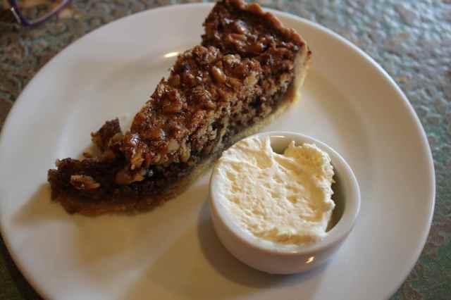walnut and caramel tart