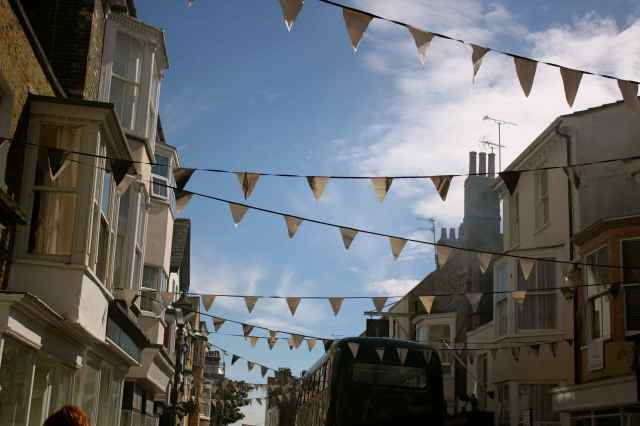 bunting addington street