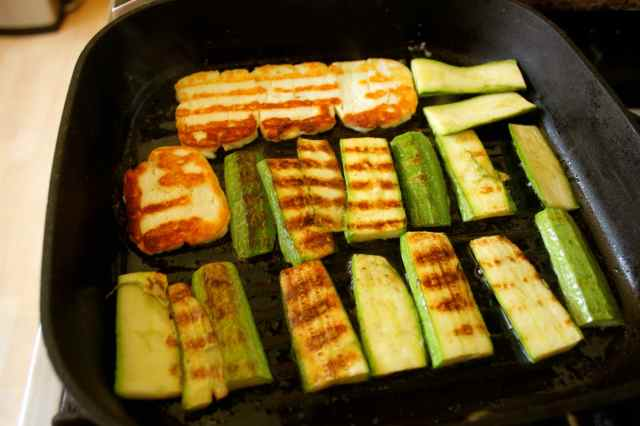 courgettes and halloumi