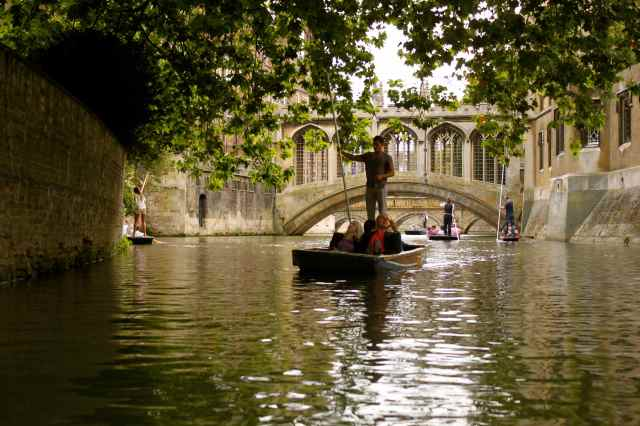 towards bridge of Sighs