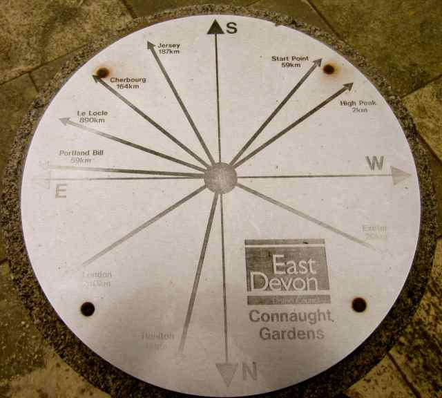 Connaught Gardens compass