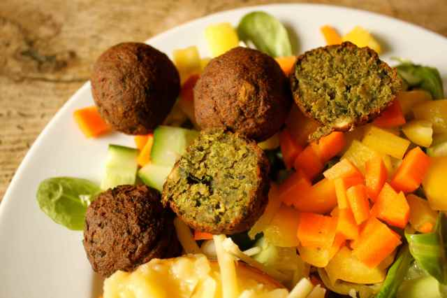 spinach falafel and salad