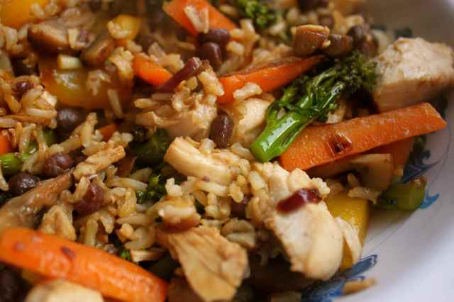 stir fried chicken, rice and veg