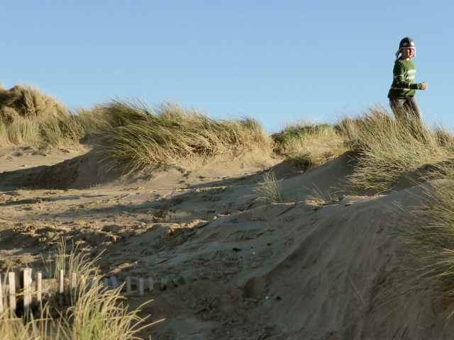 H on sand dunes