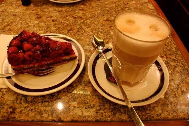 Raspberry tart and latte