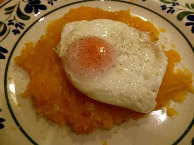 egg on mashed sweet potato